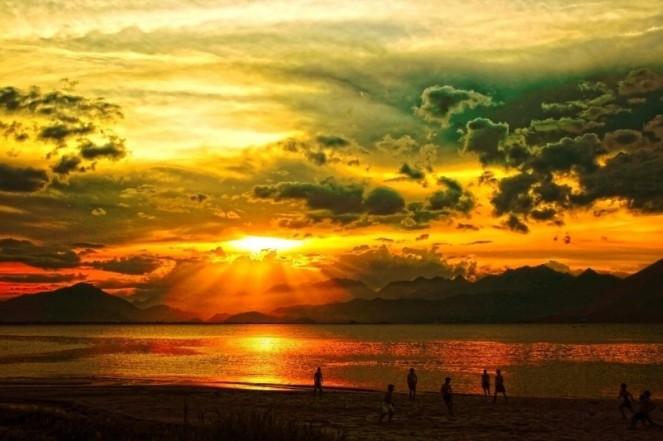 sunset-da-nang-vietnam-clouds-outdoors-tranquil[2]